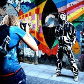 ALEXA MEADE // TAKES GRAFFITI ART INTO ANOTHER DIMENSION