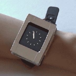 PROTOTYPE SMARTWATCH // TWO SCREENS ONTO YOUR WIRST