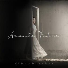 "AMANDA FEDORA // VIDEO MUSIK ""STORMBREAKER"""