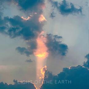 "AJIE GERGAJI & ALEXANDRA J. WUISAN // SINGLE ""LIGHT OF THE EARTH"""